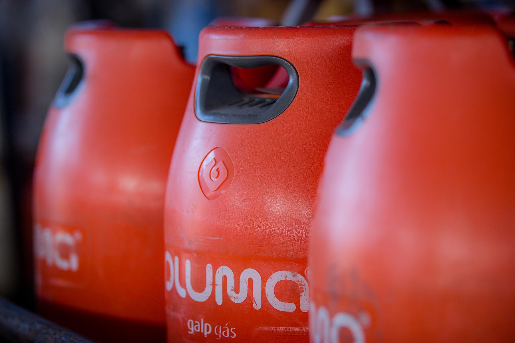 sabe-o-que-deve-fazer-na-hora-do-armazenamento-substituicao-e-utilizacao-das-suas-garrafas-de-gas